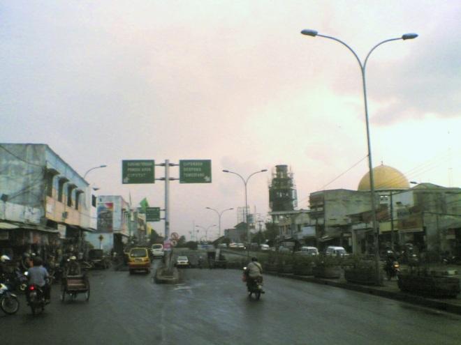 Jalan Raya Ciledug - mengarah ke Tangerang