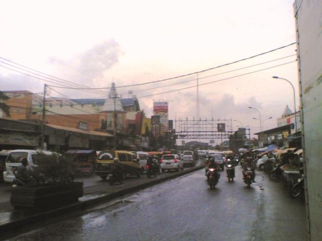 Jalan Raya Ciledug - mengarah ke Jakarta (Kebayoran)