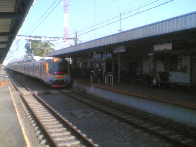 Kereta yang baru saya tumpangi, bersiap kembali berangkat ke Duri, Jakarta.