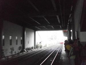 Kereta api ke Jatinegara yang akan saya tumpangi