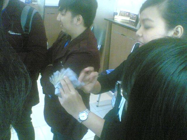 Mhsw diajar latihan melipat uang