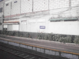 Stasiun ANgke yang kosong