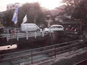 PEmandangan kali di dekat Stasiun Pondok Jati