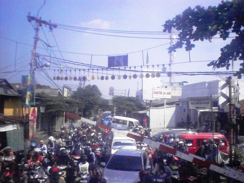 My Diary � Naik KRL Jakarta (Palmerah) � Serpong | Ride The Wind