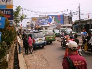 Perlintasan sebidang Rel KA - Pasar Serpong