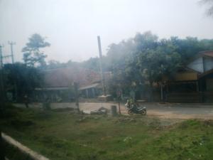 Jalan kecamatan di Parung Panjang