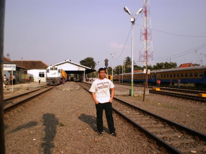 Me posing in Rangkasbitung Station
