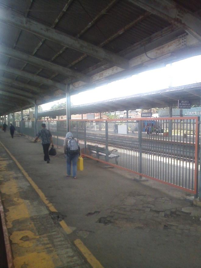 Bekasi Station (2)