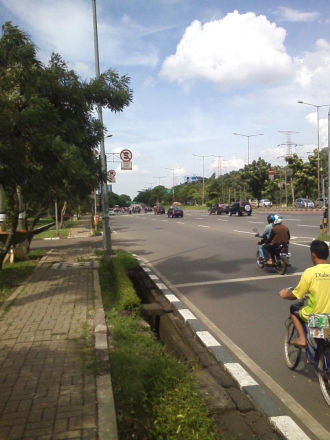 Jalan Mayjen Sutoyo - arah ke Cawang