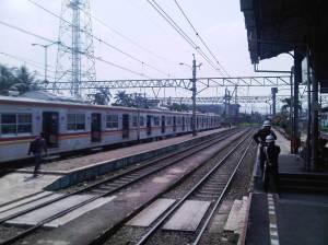 Stasiun KA Bogor arah Utara, itulah KRL yang akan saya naiki