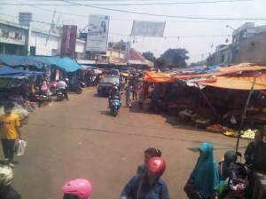 Perlintasan sebidang Pasar Anyar Bogor