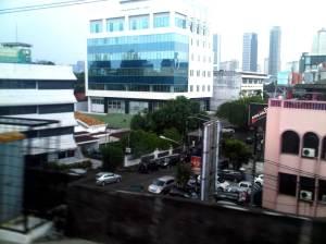 Kawasan perkantoran di Cikini, selepas stasiun KA
