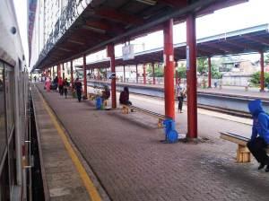 Stasiun Depok (2)