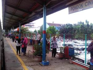 Stasiun Pondok Cina (2)