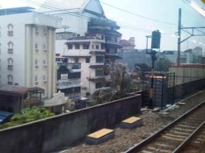 Jelang masuk Stasiun Sawah Besar (sisi Barat)