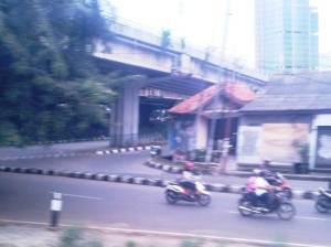Selepas stasiun, itulah JORR Jakarta TB Simatupang