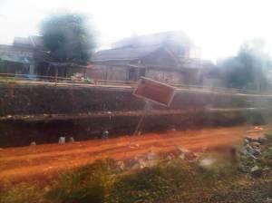 PRoyek pengerjaan double-double track terlihat lagi di jelang Stasiun Cakung
