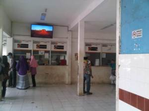 LOket penumpang Stasiun Bekasi yang masih old fashioned dan terkesan kurang terawat