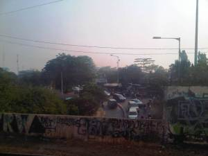 Jl. Tambak yg menghubungkan Manggarai dengan daerah Matraman / Salemba. Penumpang yg turun di St Manggarai mnuju arah Kuningan / Sudirman akan berjalan melalui jalan ini menuju terminal bus / halte busway