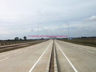 Akses tol arah ke Gerbang Tol Lubuk Pakam