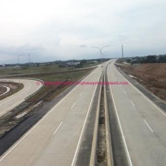Jalan tol arah ke Medan / Bandara Kuala Namu